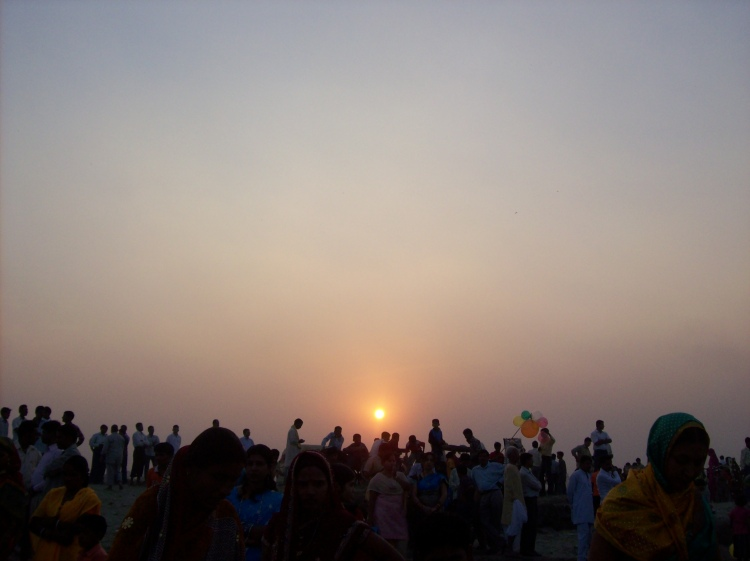 Now the setting sun. In chhath, both rising and setting sun is worshipped